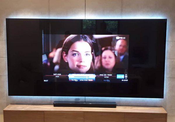 קיר טלויזיה זכוכית